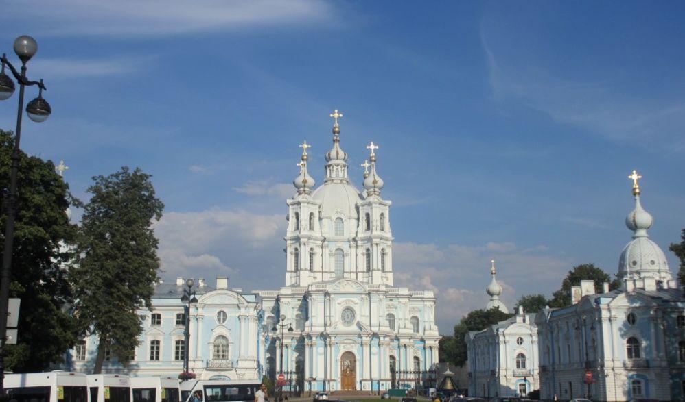Moskau – St. Petersburg Tallinn – Stockholm