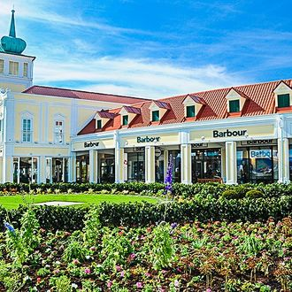 Shoppingtour im Designer Outlet Parndorf