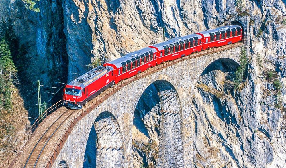 Schweizer Bergwelt & Zauberhafte Seen