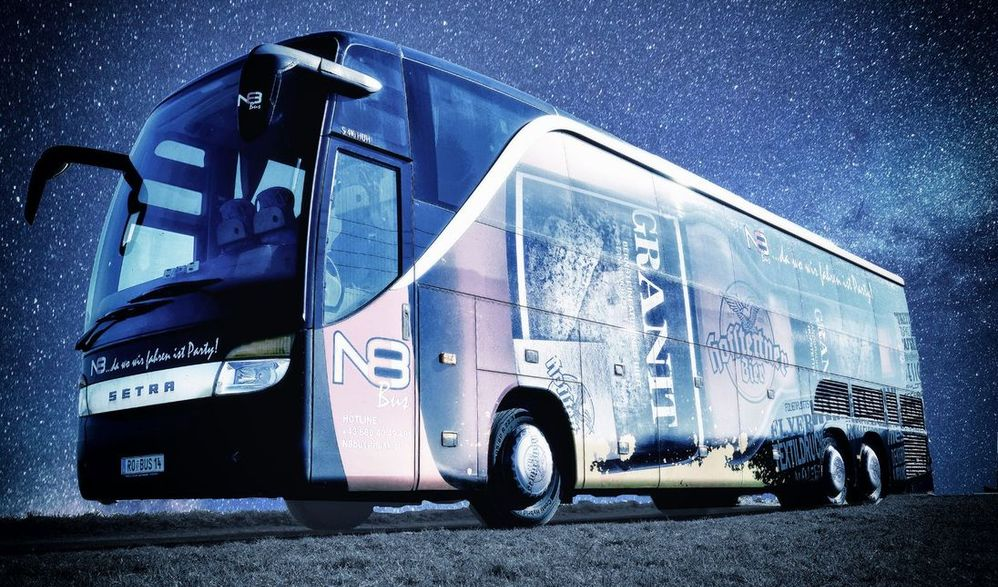 Tagesskifahrt im N8 Party-Bus Flachau